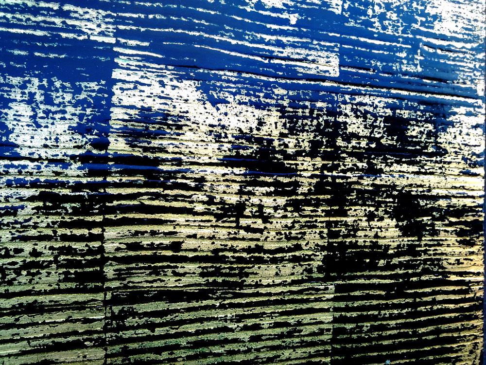 effet de matière, stries sur fond noir, feuille de cuivre, finition brillante